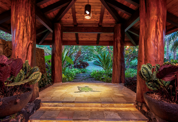 Outdoor patio of home built by Hawaii Island Architects